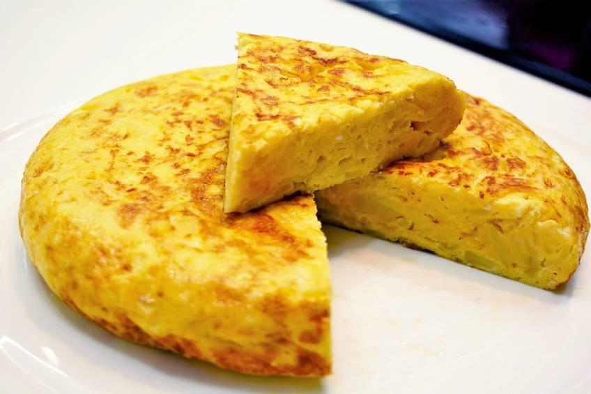 tortilla de patatas (omleta de cartofi spaniola)